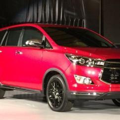 Konsumsi Bensin All New Kijang Innova Bbm Untuk Grand Avanza Toyota Termewah Venturer Resmi Meluncur Kompas Com Febri Ardhani Otomania Perkenalkan