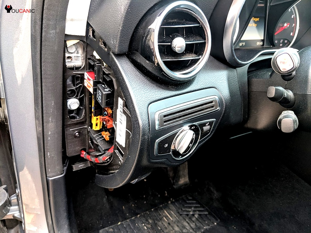 small resolution of mercedes benz c class w205 fuses location layout