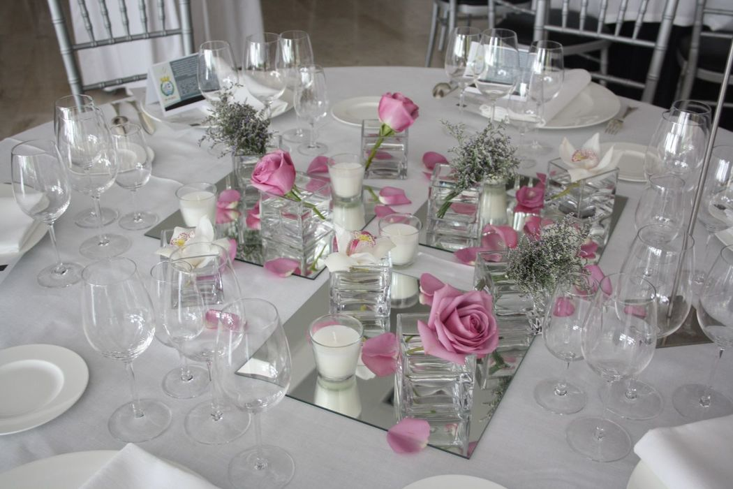 Ideas para decorar la mesa de honor de los novios en una