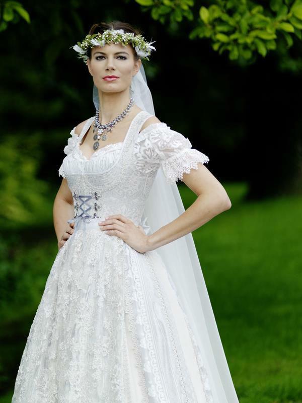 Brautsalon Flossmann  Brautgeschfte besuchen