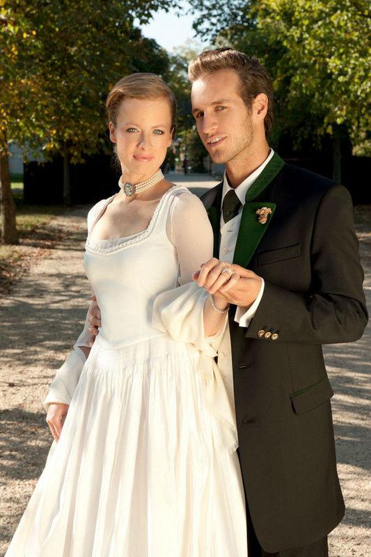 Gssl  Tracht heute  Brautgeschfte besuchen