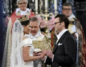 Resultado de imagen para Fotos de la boda real entre la princesa Victoria de Suecia y Daniel Westling
