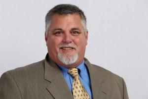 Greg McKnight, Professional