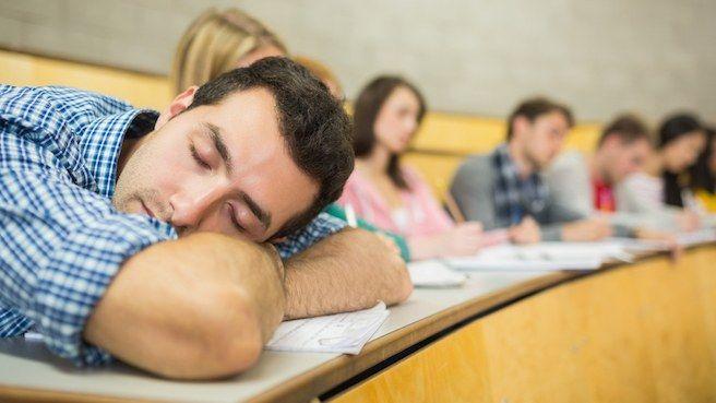 Inilah 4 Alasan Mahasiswa Kerap Tidur Saat Jam Perkuliahan - Kompasiana.com