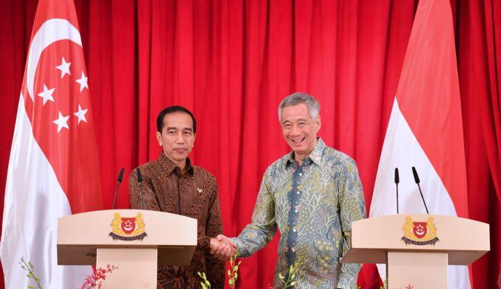 Dengan kata lain, ekonomi internasional membahas mengenai dampak aktivitas ekonomi terkait dengan perbedaan sumber daya produktif antarnegara dan preferensi Lekatnya Hubungan Internasional Indonesia dengan Singapura