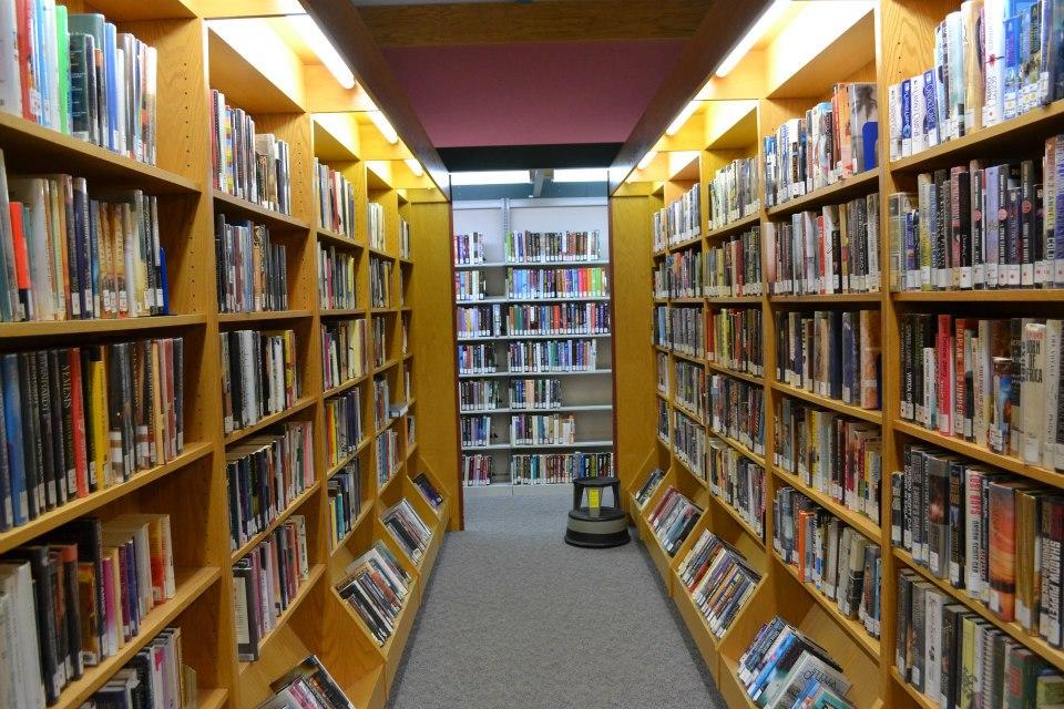 Hidup Mati Perpustakaan di Amerika oleh Yusran Darmawan