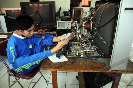 Alat Elektronik Rusak Jangan BuruBuru ke Tukang Servis