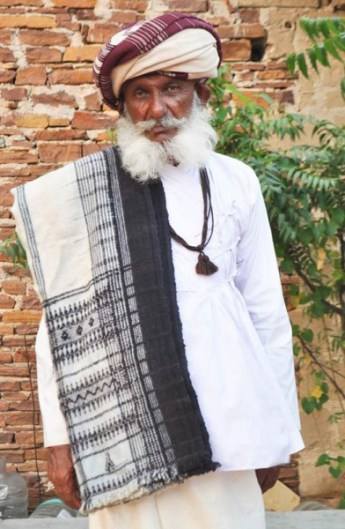 Rabari elder wearing the traditional black-and-white blanket (dhablo). Photo courtesy Judy Frater.