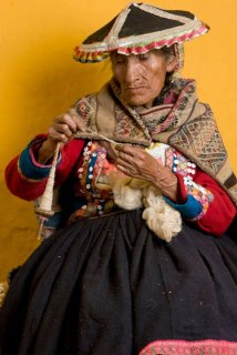 Fermina Cjuno learned the value of spinning and weaving from her mother.These skills provided a means of survival.
