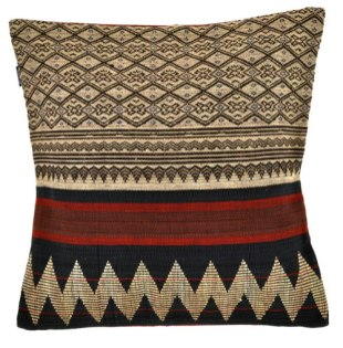 A bold pillow using same weaving technique.