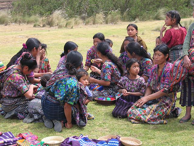 Guatemalan moms and kids.