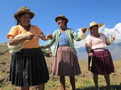 Doñas Julia, Alicia, and Spinzilla team captain Doña Máxima