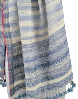 The signature edging along with carefully planned color changes in the weaving make a stunning combination.
