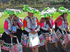 Huacatinco traditional dress for women