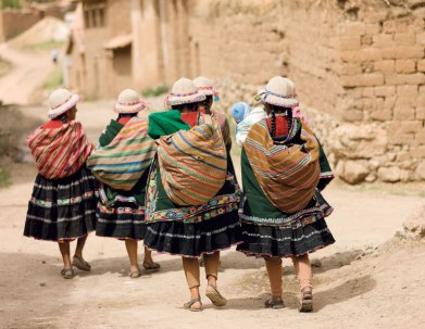 Young weavers in Acopia, Peru. Photo by Joe Coca from Faces of Tradition