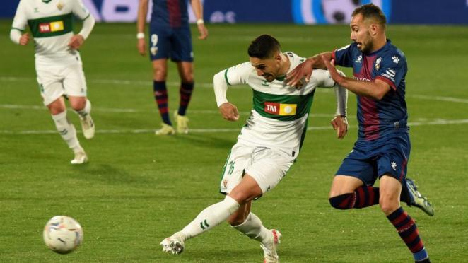 Huesca gagne un match important face à Elche