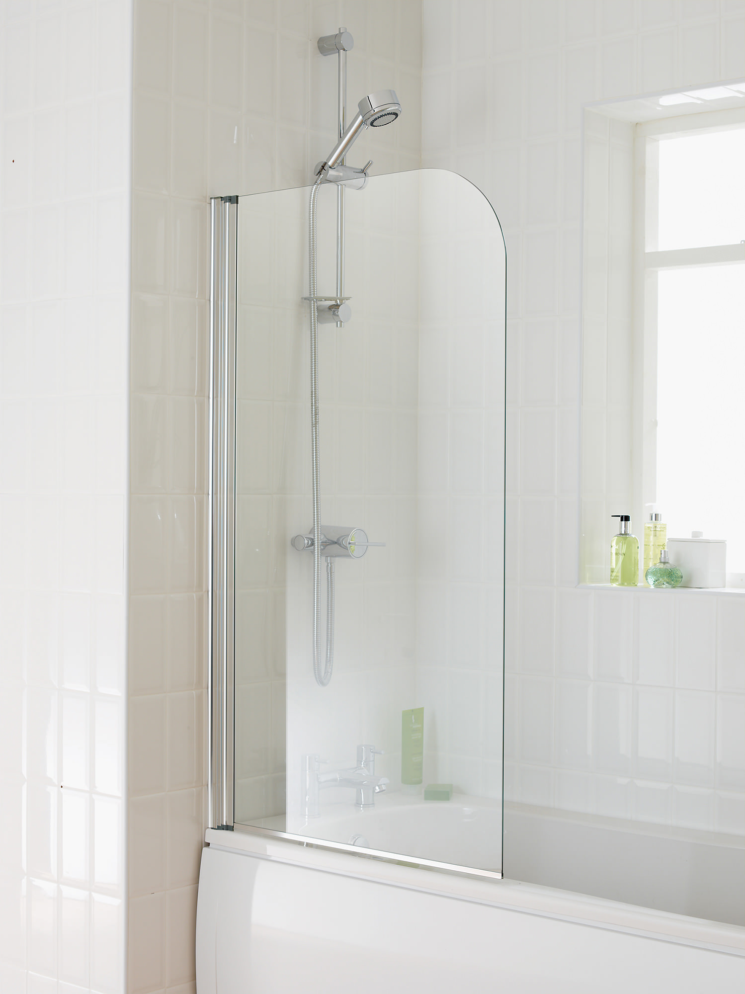 Essential Element Curved Bath Screen 750x1300mm Eb301