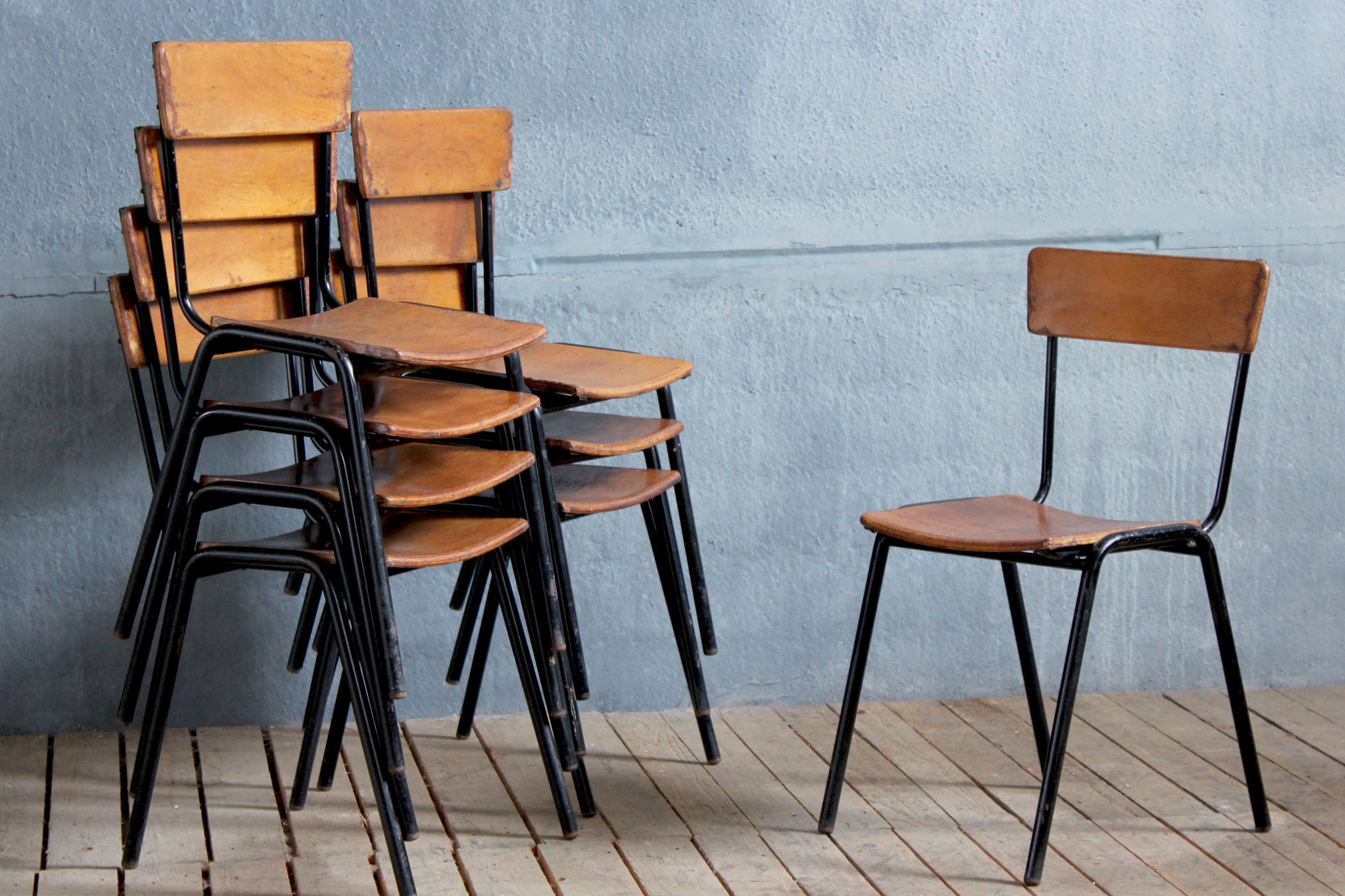8 X Mid Century Stacking Chairs