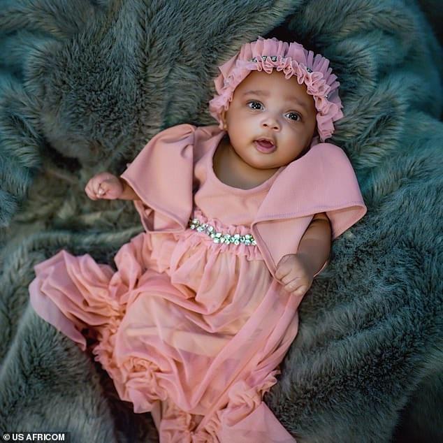 Usain Bolt publie des photos de sa fille pour la 1ère fois et révèle son nom: PHOTOS