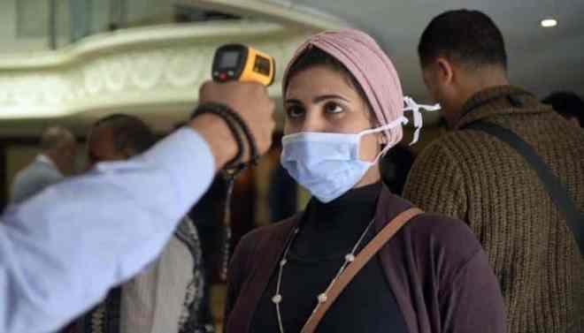 تراجع طفيف بإصابات كورونا في مصر