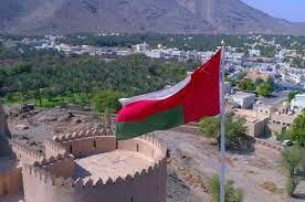 سلطنة عمان تنهي الإغلاق الجزئي وتلزم القادمين بالتحصين والحجر