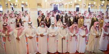 جموع غفيرة تؤدي صلاة الميت على الأميرة دلال بنت سعود بن عبدالعزيز