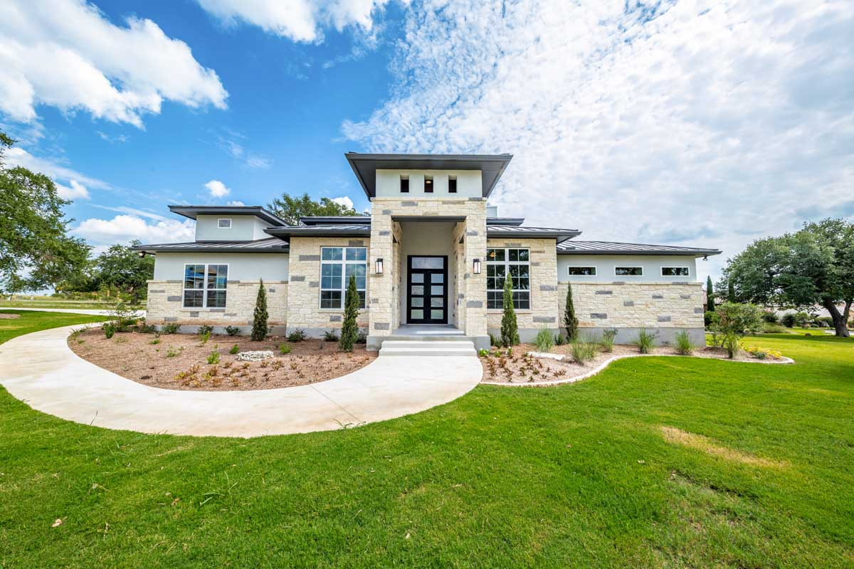 Level Hill Country House Plan - 430022ly