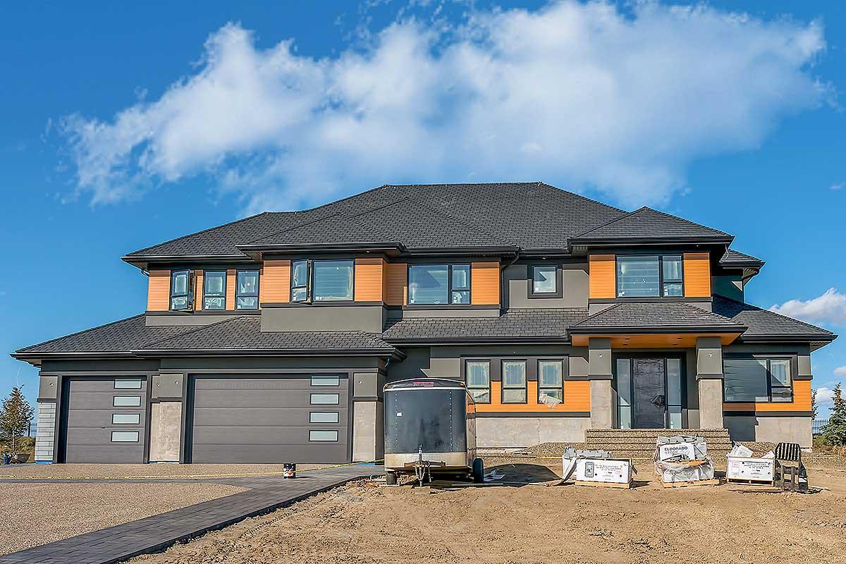 Spacious Prairie Style House Plan - 81708ab