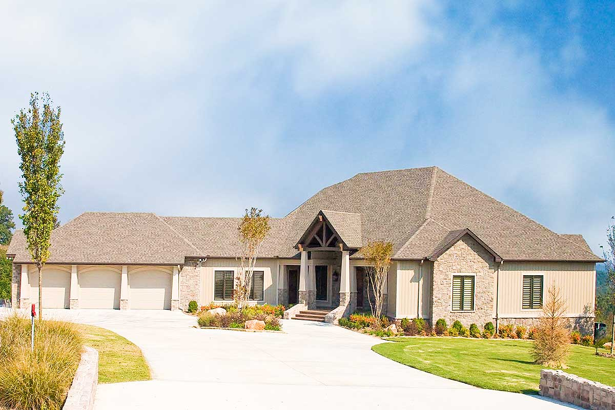 Mountain Ranch With Spectacular Rear Views - 59963nd