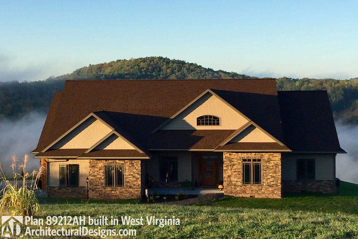 Rustic Ranch With Craftsman Details - 89212ah