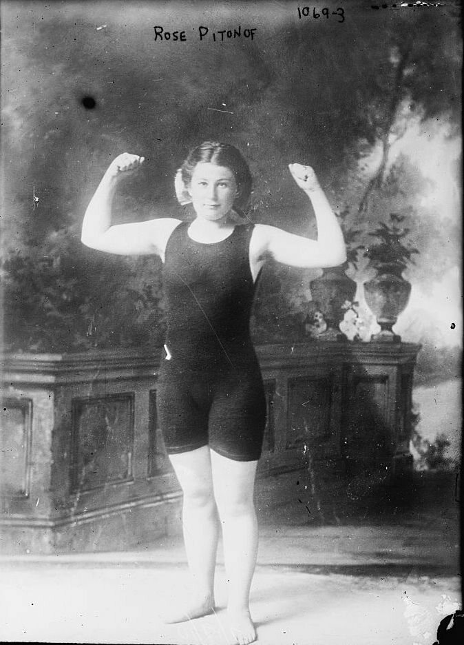 Rose Pitonof, 1910