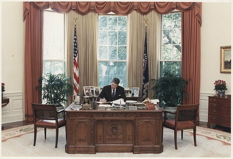 oval office chair revolving in bangladesh from roosevelt to resolute the secrets of all 6 desks gipper hard at work desk photo ronald reagan presidential library public domain