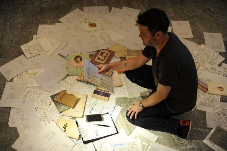 Jason Bailey and Bee Satongun have amassed hundreds of funeral books for their recipes.