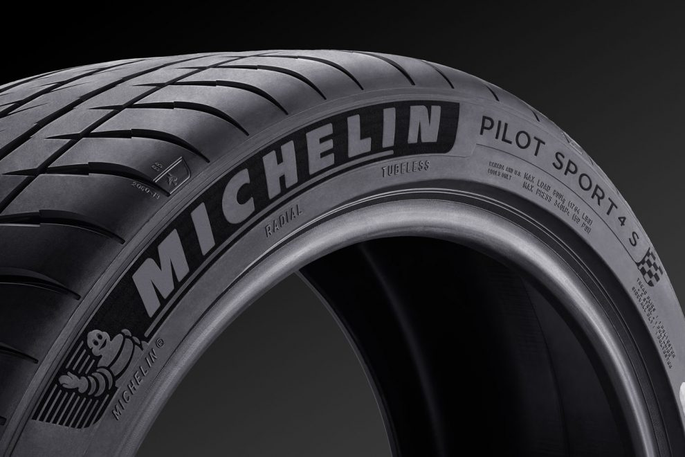 Michelin Pilot Sport 4 S PS4S launched to replace the Pilot Super Sport  AutoBuzzmy