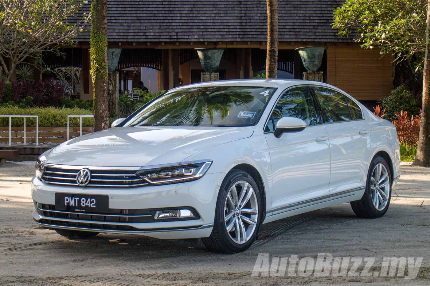 Review Volkswagen Passat B8, Exciting In Every Way