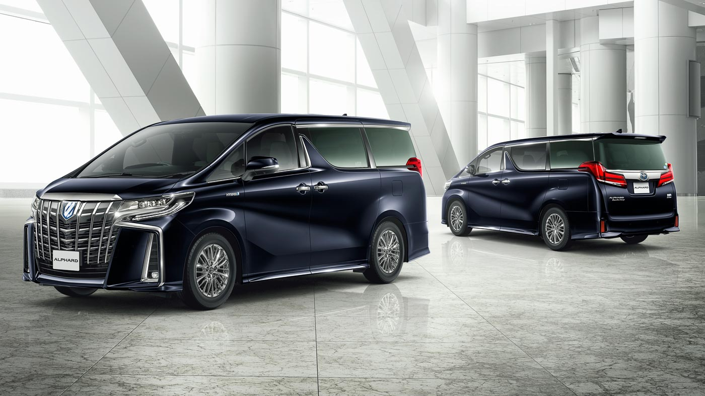 all new alphard vs vellfire logo grand avanza toyota updated 3 5l v6 with 8 at as a taillamp design the sportier looking aero kit can now be specified on executive lounge models previously only low and mid range