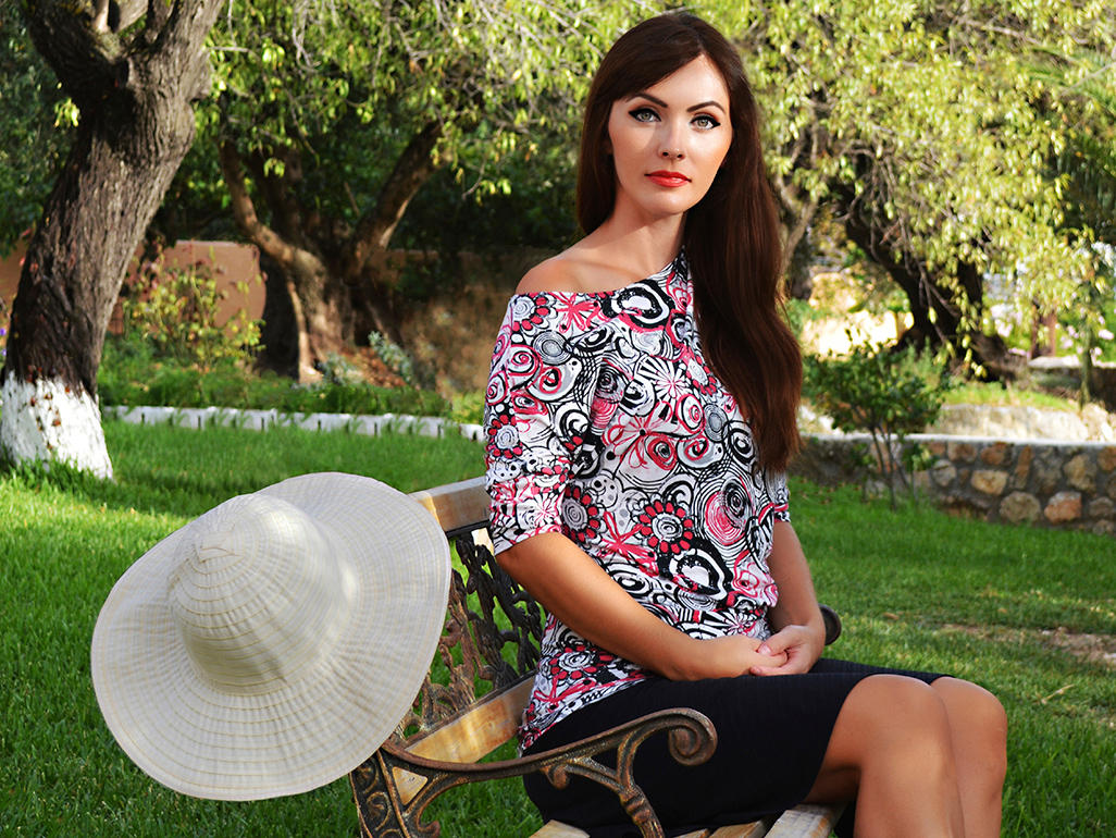 Maternity Fashion How To Dress For Your Trimester