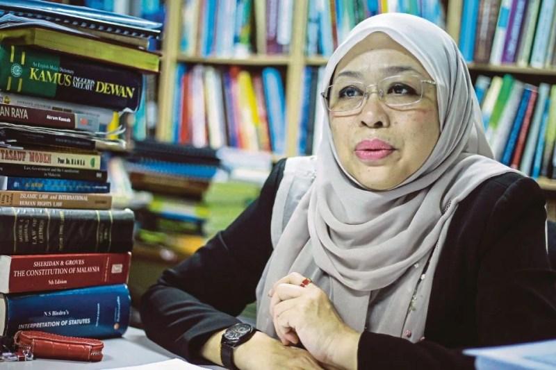 Pakar Perlembagaan Persekutuan, Prof Madya Dr Shamrahayu A Aziz