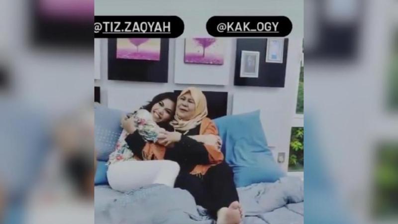 Fauziah Ahmad Daud bergandingan dengan Tiz Zaqyah sebagai ibu dan anak.