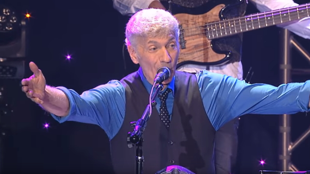 Former STYX Frontman DENNIS DEYOUNG To Release '26 East: Volume 1' Album In The Spring