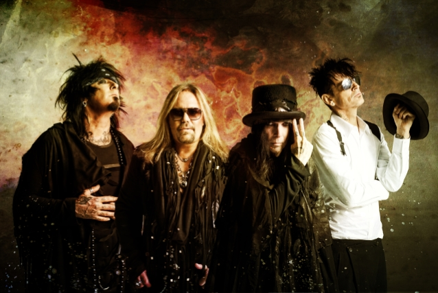 NIKKI SIXX: Why MÖTLEY CRÜE Decided To Blow Up 'Cessation Of Touring' Agreement