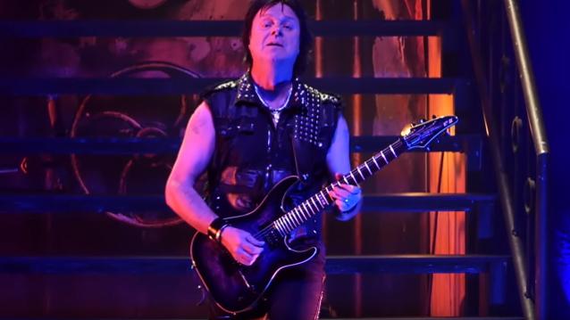 KING DIAMOND El guitarrista ANDY LA ROCQUE celebra su 57 cumpleaños en el escenario en San Francisco (Video)