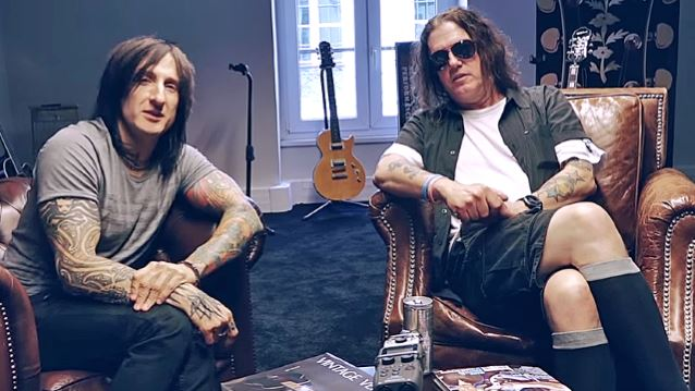 GUNS N' ROSES Keyboardist DIZZY REED: Only AXL ROSE Knows When Next Album Will Come Out