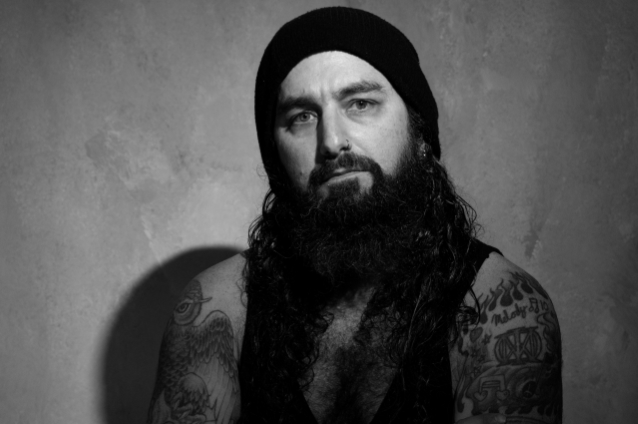 MIKE PORTNOY: 'I've Known For About Two Years' That NEIL PEART Was Battling Brain Cancer