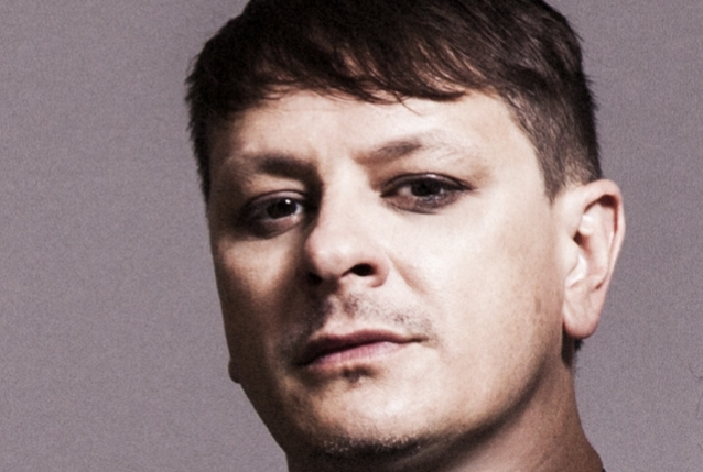 RAY LUZIER Says KORN Is 'Definitely On A New Level All The Way Around As A Band'