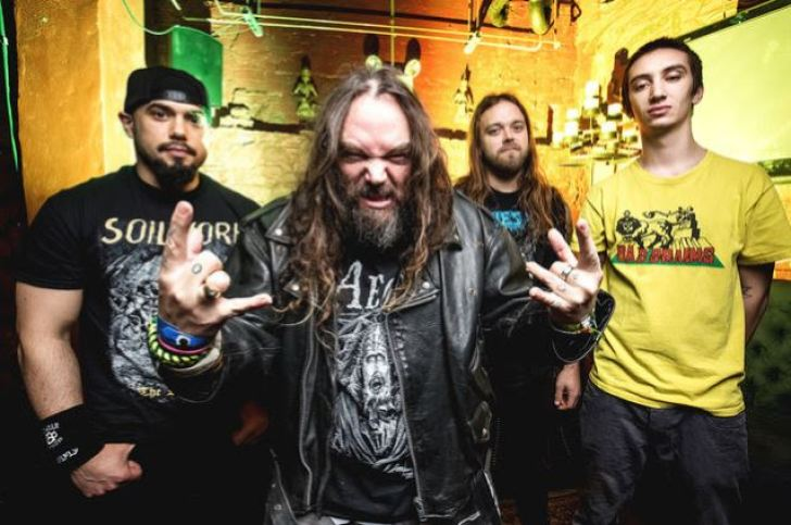 https://i0.wp.com/assets.blabbermouth.net/media/soulflydec2015band_638.jpg?resize=728%2C483