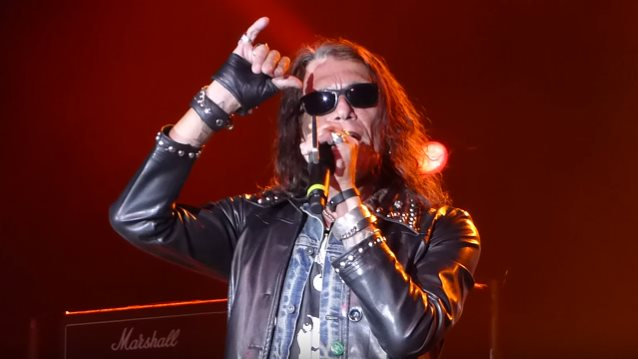 RATT Singer STEPHEN PEARCY To Release 'View To A Thrill' Solo Album