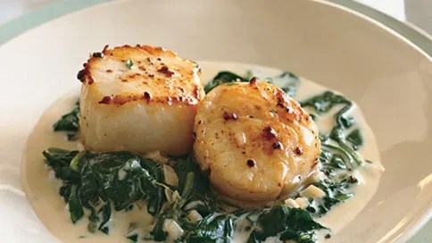 Seared Scallops on Spinach with AppleBrandy Cream Sauce