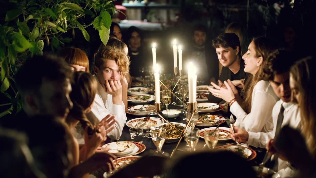 The Very Important Dinner Party Rules Of Drinking All
