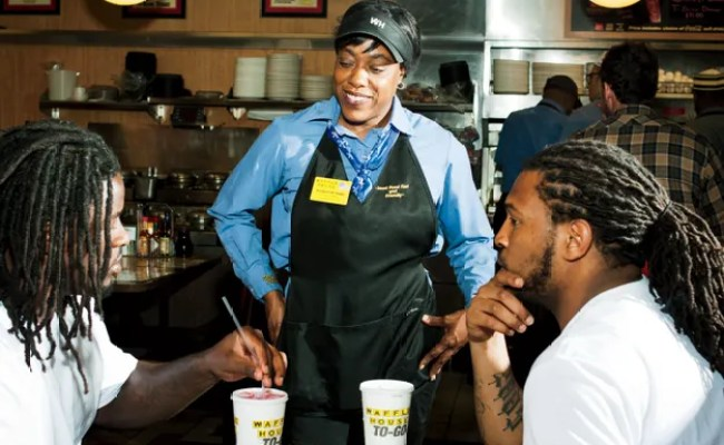 What It S Like To Work At The Waffle House For 24 Hours